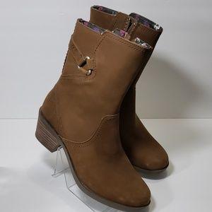 TEVA Ladies Boots Brown Size 6.5